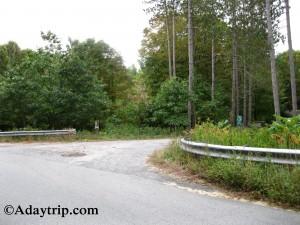 The Gate 40 turn off point for Quabbin Reservoir hiking up to Dana, MA