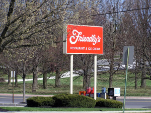 Friendly's sign and logo